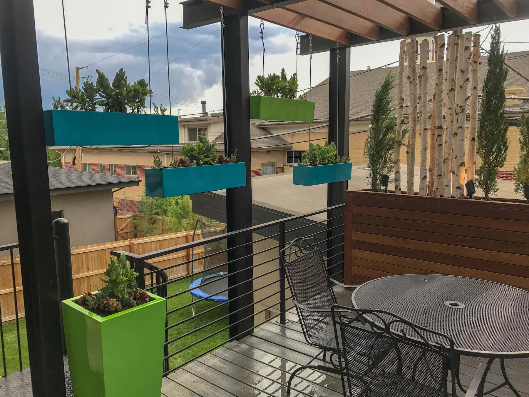 Outdoor Dining and Pergola