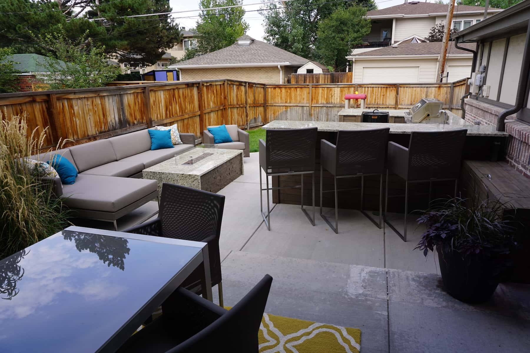Patio With Seating & Bar