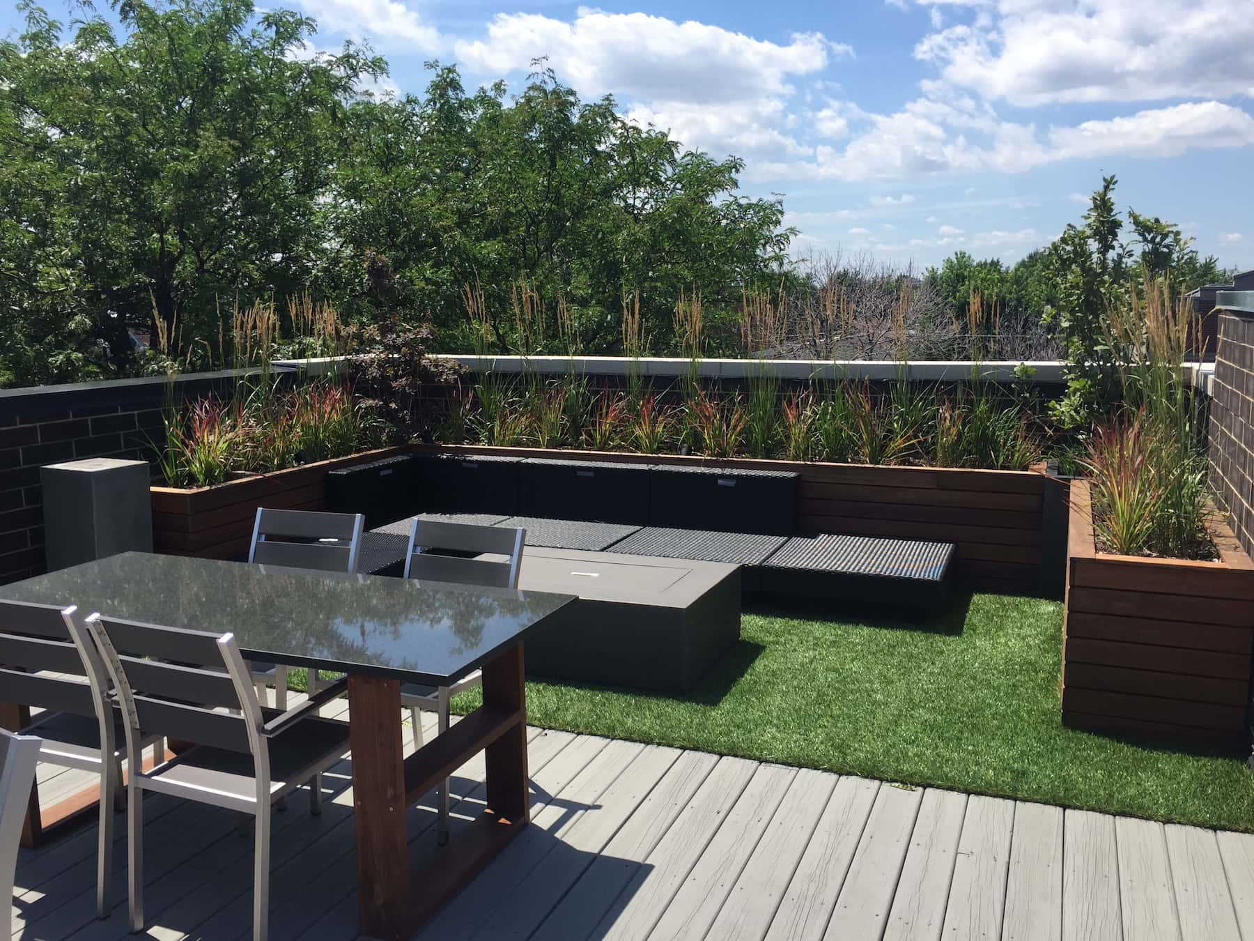 Rooftop Dining With Built-In Planters & Green Space