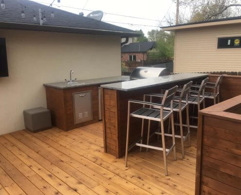 Bar & Outdoor Kitchen