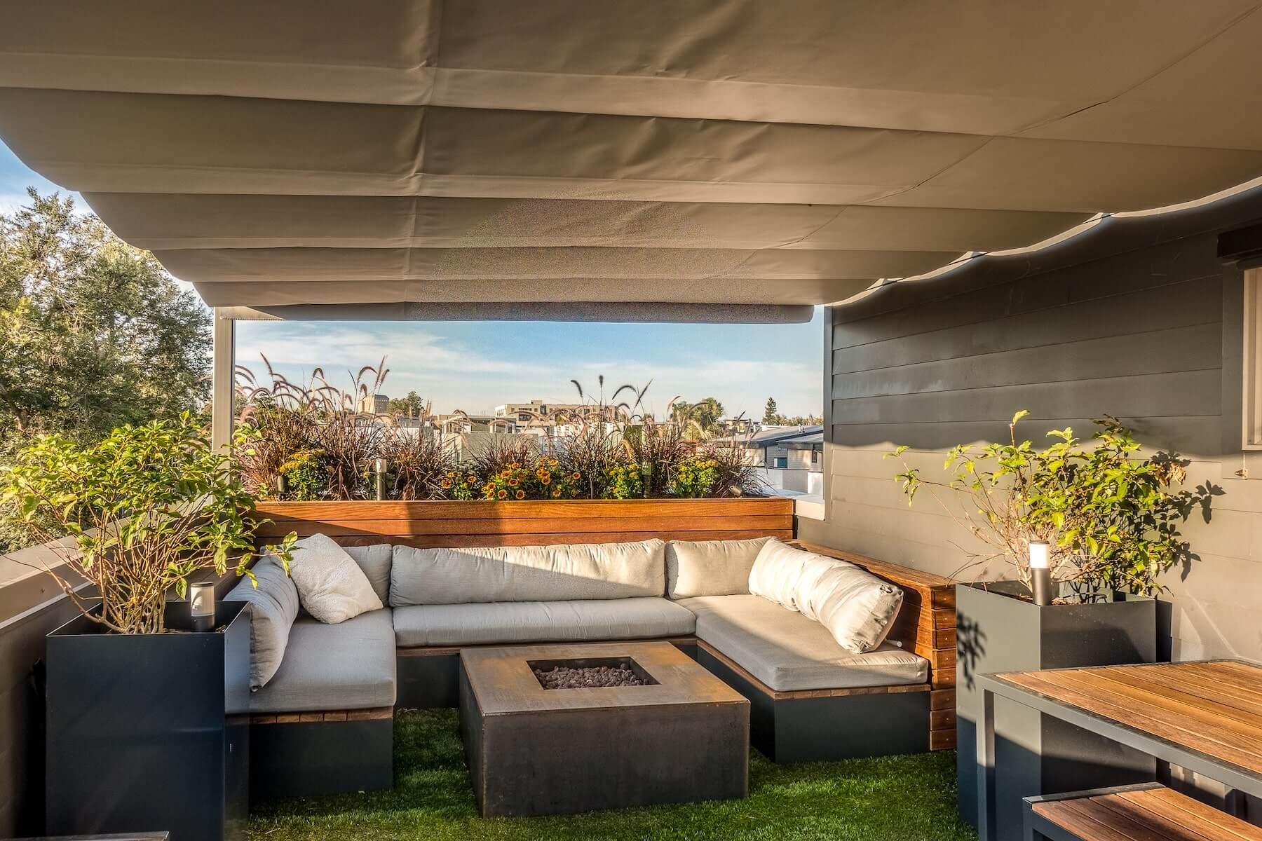Lounge With Canopy