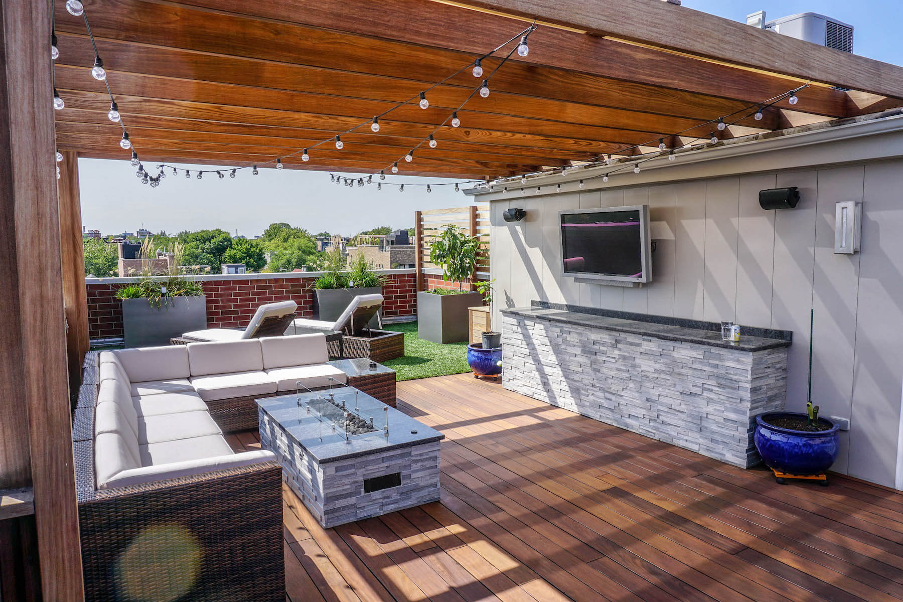 Outdoor A/V and Fire Pit