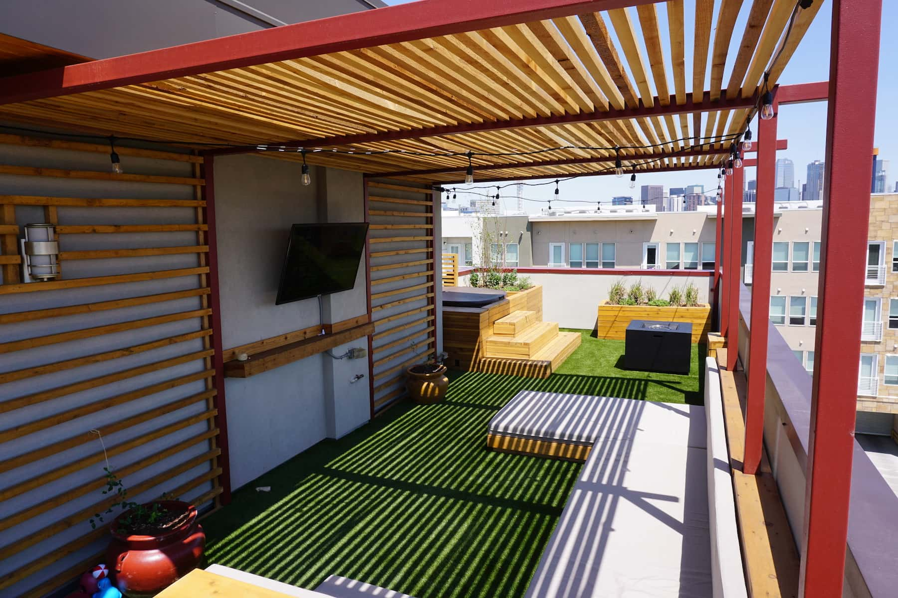 Pergola Daybed Planters Hot Tub